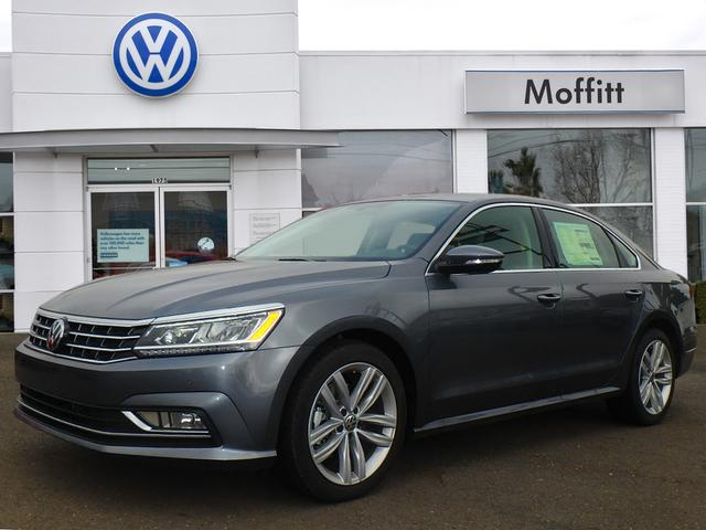 New 2018 Volkswagen Passat 2.0T SE with Technology